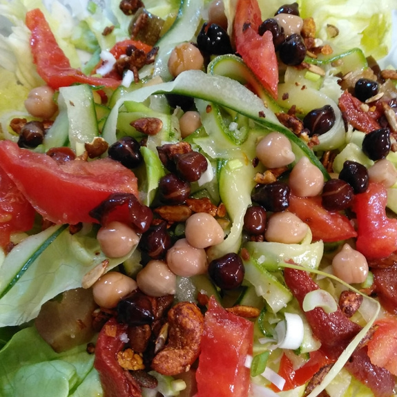 Salade de pois chiches noirs et blancs bio